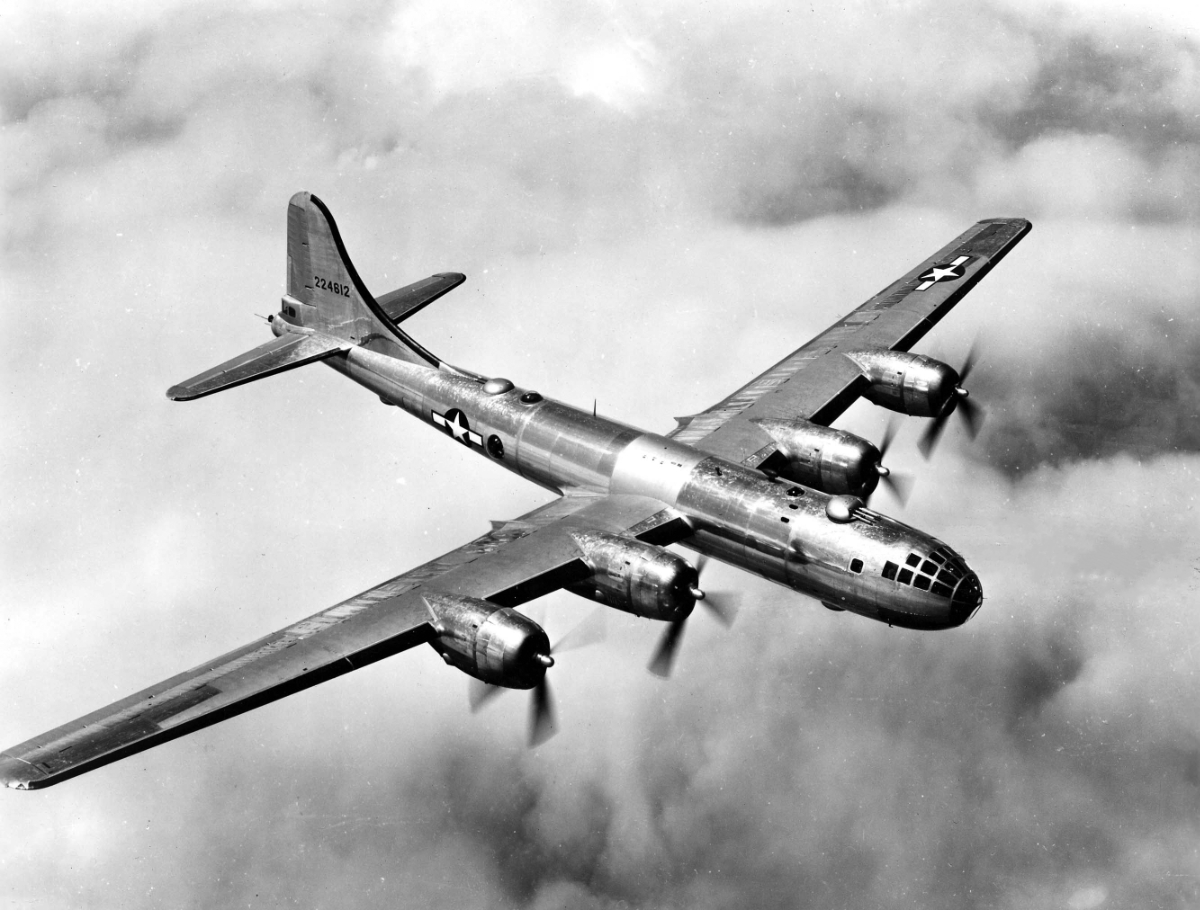 B 29 in flight minni